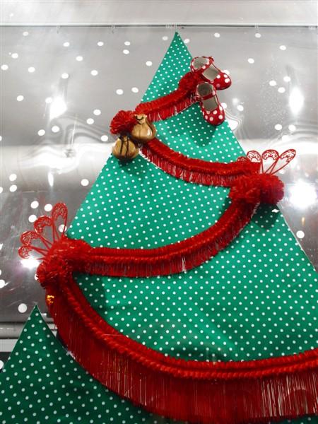 Flamenco-themed Christmas tree