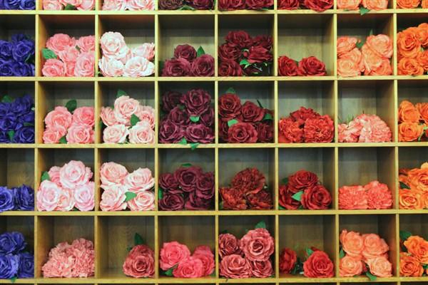 Flamenco shops in Madrid - dance flowers